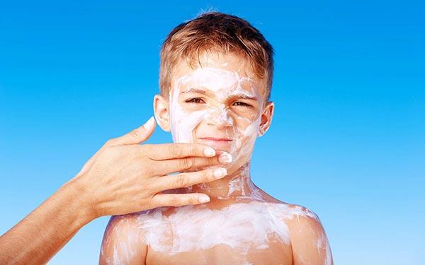 برای کودکان بهترین مارک کرم ضد آفتاب