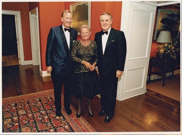 خانم LORETTA ANNA ROGERS را باید نوزدهمین بانوی ثروتمند جهان دانست